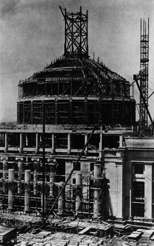 Construction photo from 1916